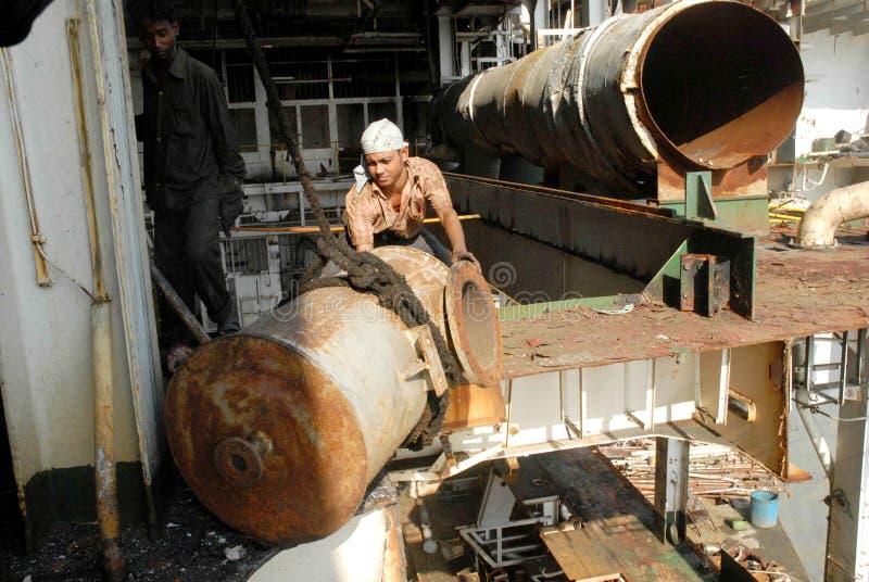 Schiff, das Bangladesch einläuft stockbild