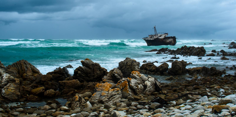 Schiffs-Wrack bei Kap Agulhas lizenzfreie stockfotos