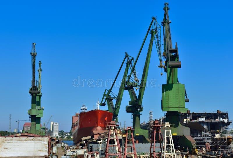 Download Schiffsbau stockfoto. Bild von metall, meer, polen, dock - 26373866