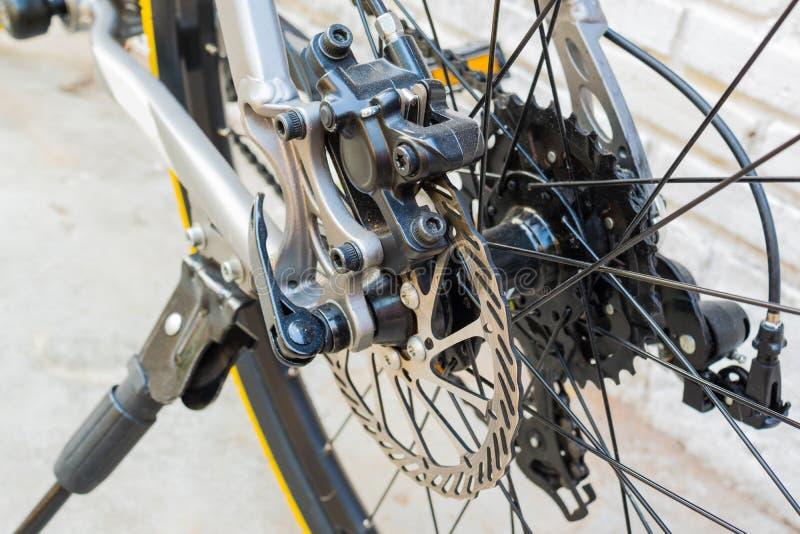 Schijfrem op fiets stock foto's