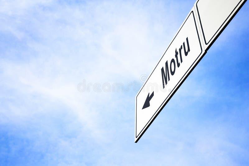 Schild, das in Richtung zu Motru zeigt stockbild