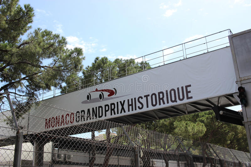 Schild Monacos Grandprix Historique stockfotos
