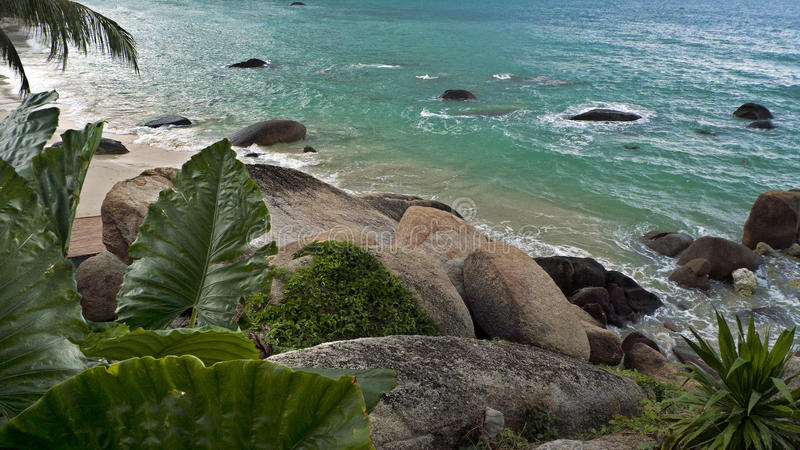 Schilderachtig strand in de baai van Koh Samui royalty-vrije stock foto