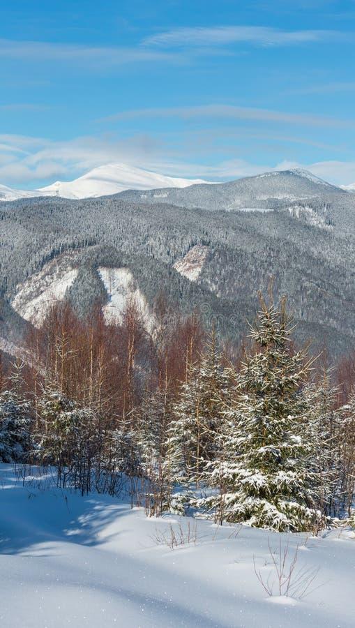 Schilderachtige de bergenmening van de de winterochtend royalty-vrije stock afbeelding