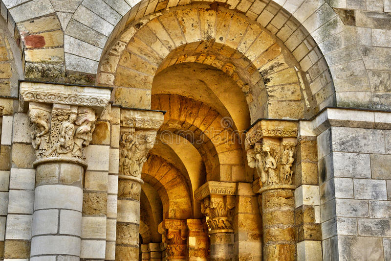 Schilderachtige stad van Heilige Benoit sur de Loire in Val de Loire royalty-vrije stock afbeeldingen