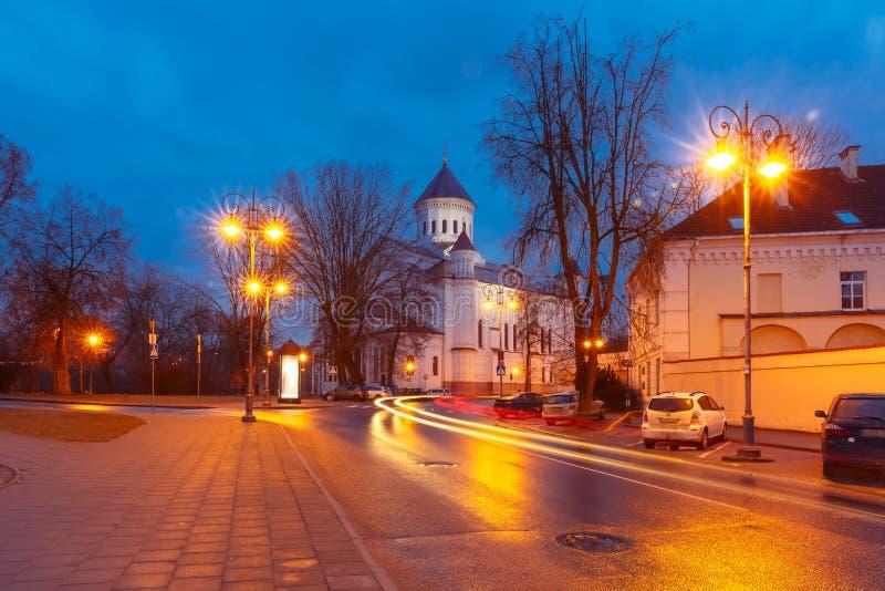 Schilderachtige Straat bij nacht, Vilnius, Litouwen royalty-vrije stock afbeelding