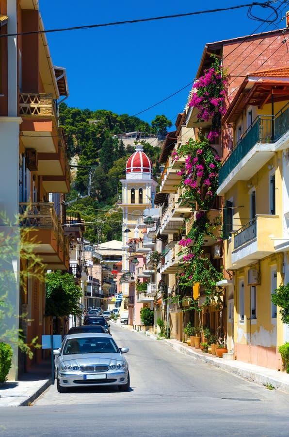 Schilderachtige straat van oude stad in de stad van Zakynthos stock fotografie