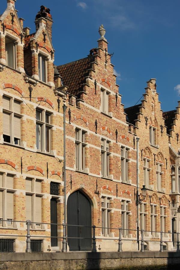 Schilderachtige Voorgevels Brugge belgië stock afbeelding