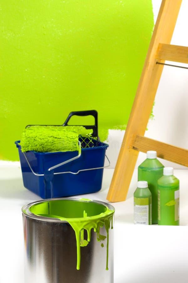 Schilderend een groene ruimte royalty-vrije stock afbeeldingen