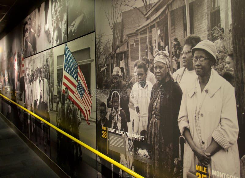 Schildergeschiedenis van Afrikaanse Amerikanen binnen het Nationale Burgerrechtenmuseum in Lorraine Motel stock afbeelding