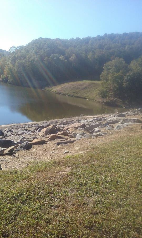 Schimmerndes Wasser stockbilder