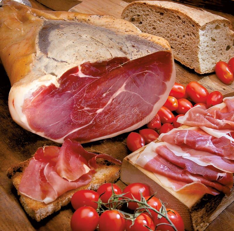 Schinken-süßes italienisches und toskanisches Brot lizenzfreies stockbild