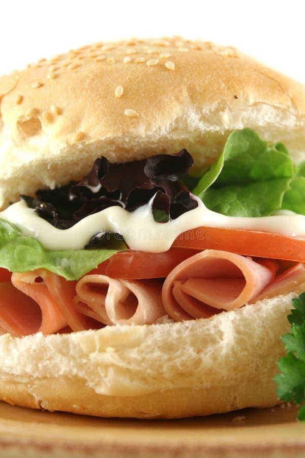 Schinken-und Salat-Rolle lizenzfreies stockbild