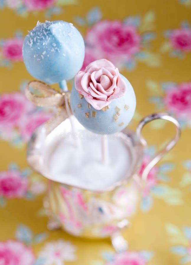 Schiocco della torta del fiore fotografie stock libere da diritti