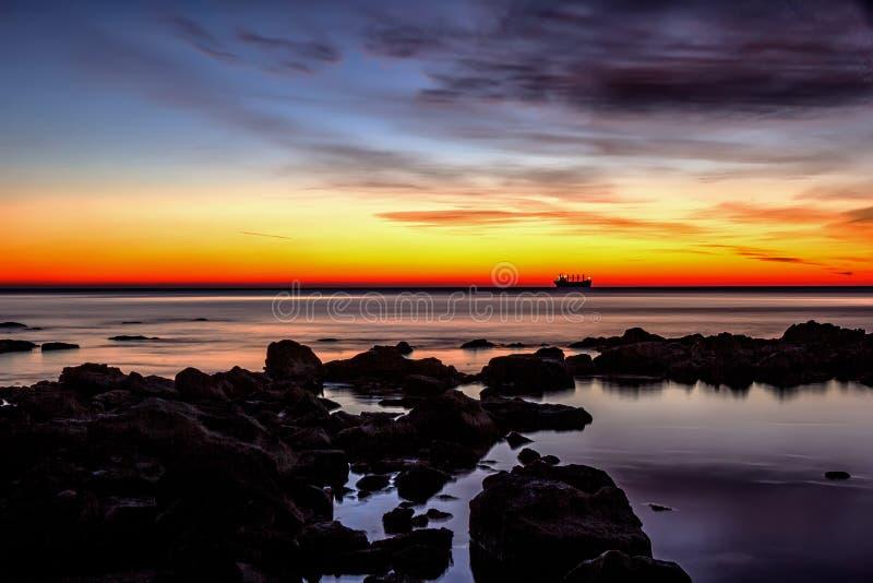 Schip bij horizon royalty-vrije stock foto's
