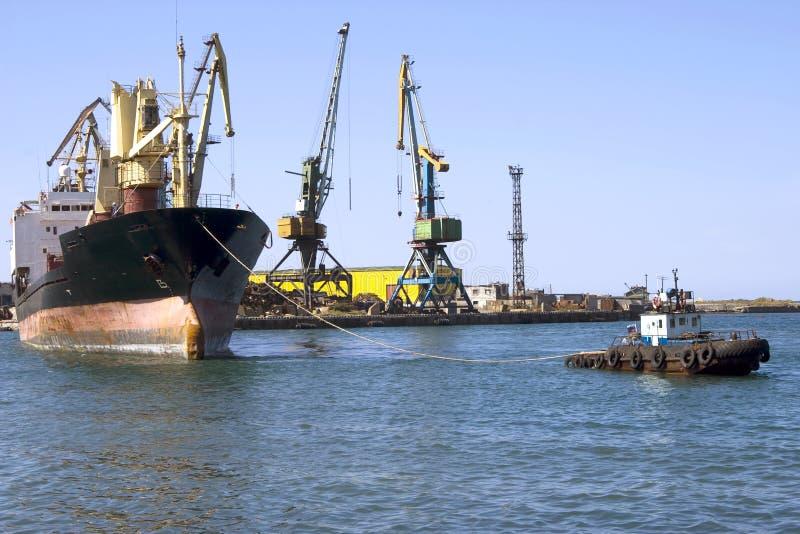 Schip en motorboot stock foto's