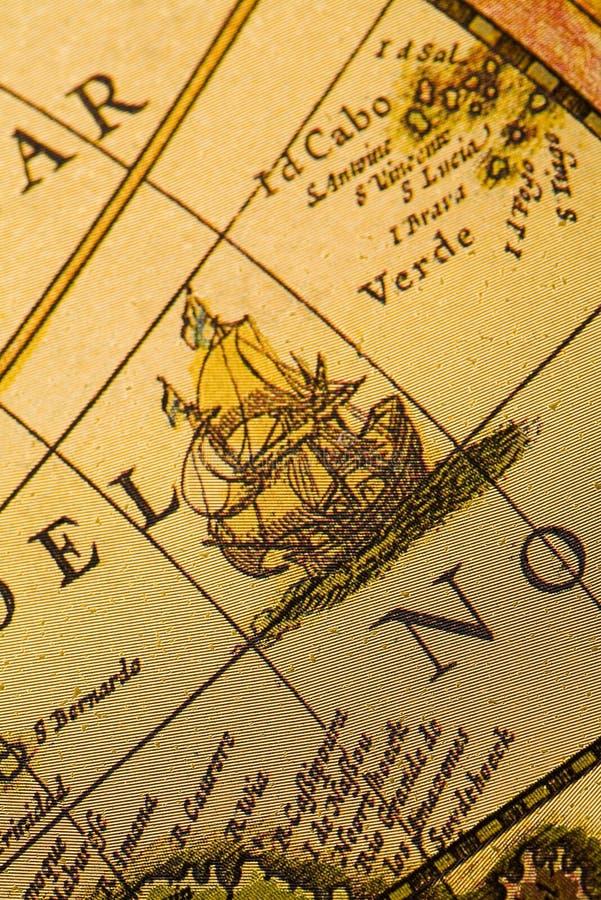 Schip en oude kaart stock foto