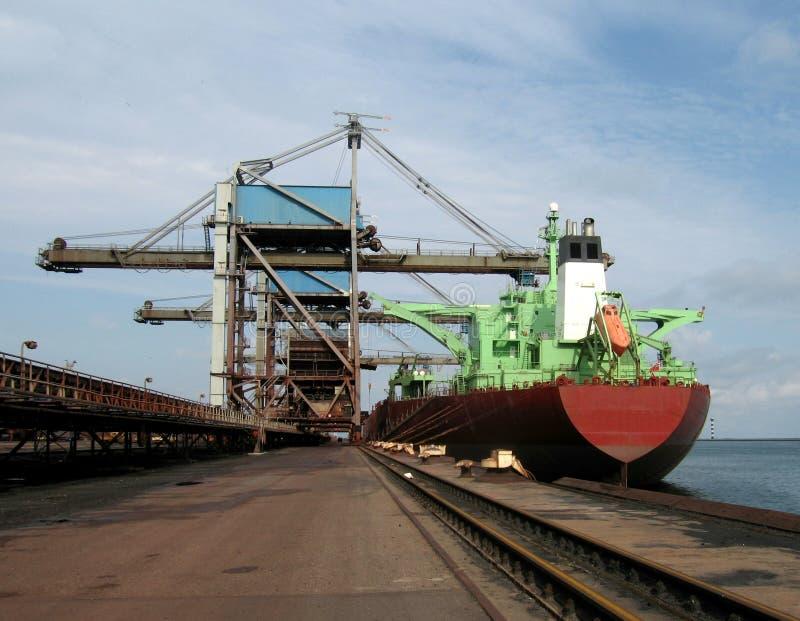 schip in haven royalty-vrije stock afbeelding