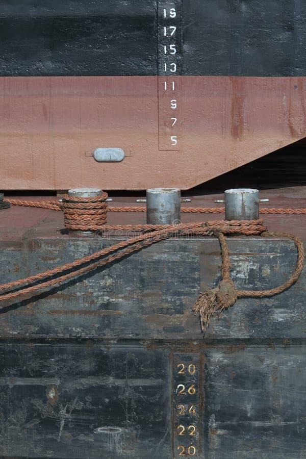 Bolder met kabels stock fotografie