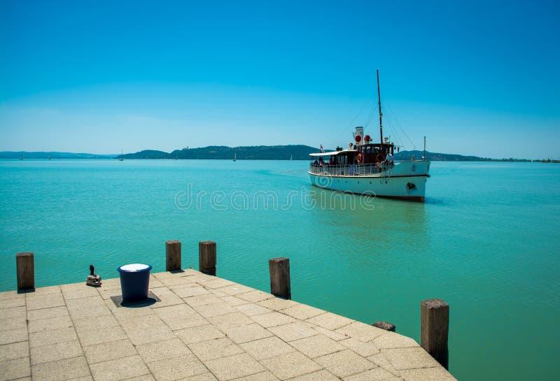 Schip op Meer Balaton royalty-vrije stock foto's