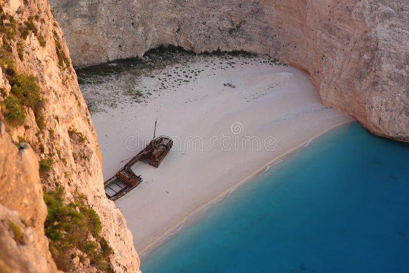 Schipbreuk in het Eiland van Zakynthos, Griekenland - Navagio-strand royalty-vrije stock foto