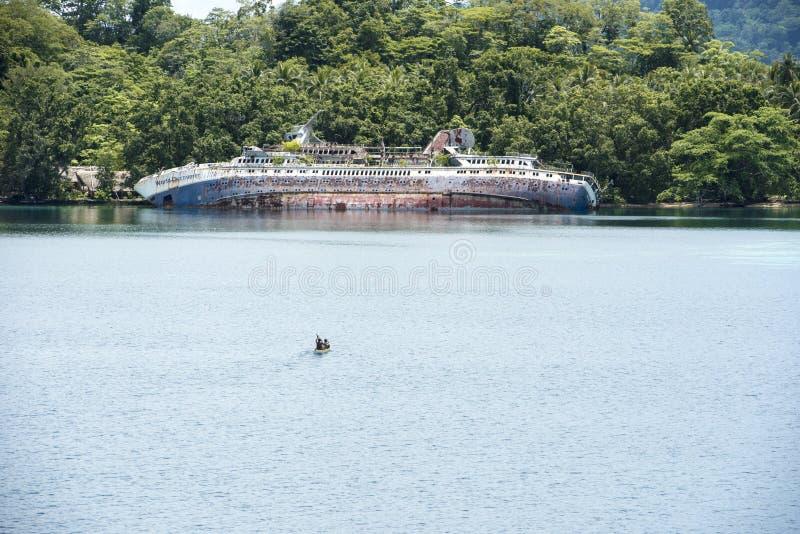 Schipbreuk - Wereld ontdek - Roderick Bay, Solomon Islands royalty-vrije stock foto
