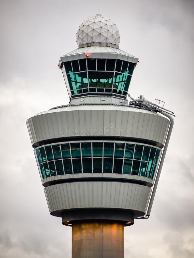 Schiphol de toren van de Luchthavencontrole stock foto's