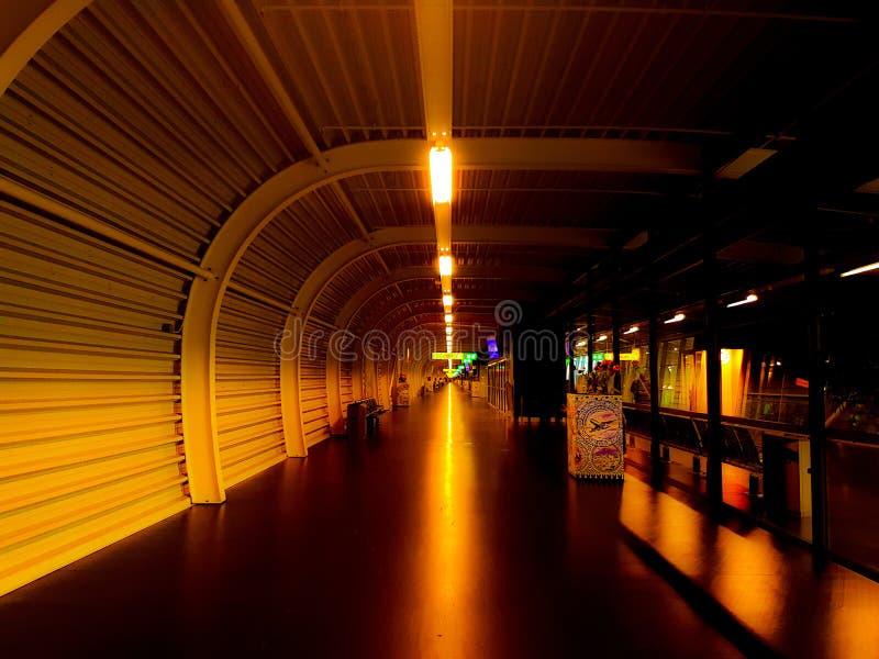 Schiphol-Wartebereich M lizenzfreies stockbild