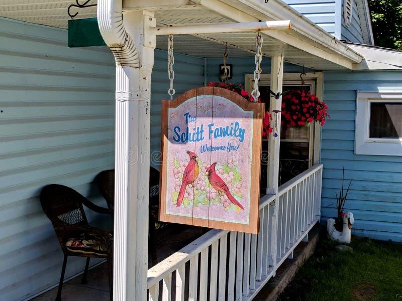 Schitt dom rodzinny jak uwypuklający w Schitt ` s zatoczce zdjęcia royalty free