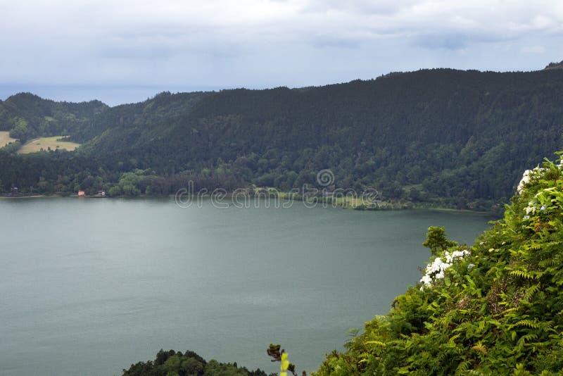 Schitterend beeld Aanzicht op de kust van de stad Ponta Delgada, eiland San Miguel, Portugal royalty-vrije stock afbeelding