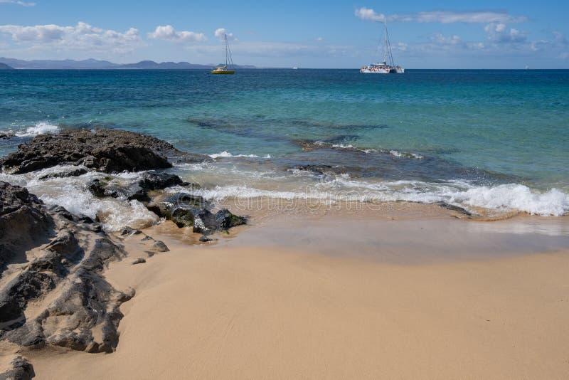 Schitterend strand op Playa Papagayo royalty-vrije stock fotografie