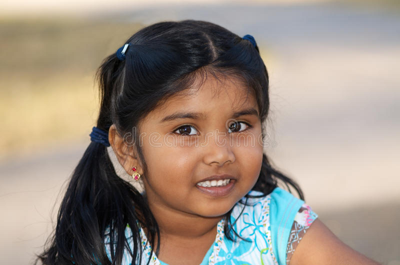 Schitterend weinig Indisch meisje royalty-vrije stock fotografie