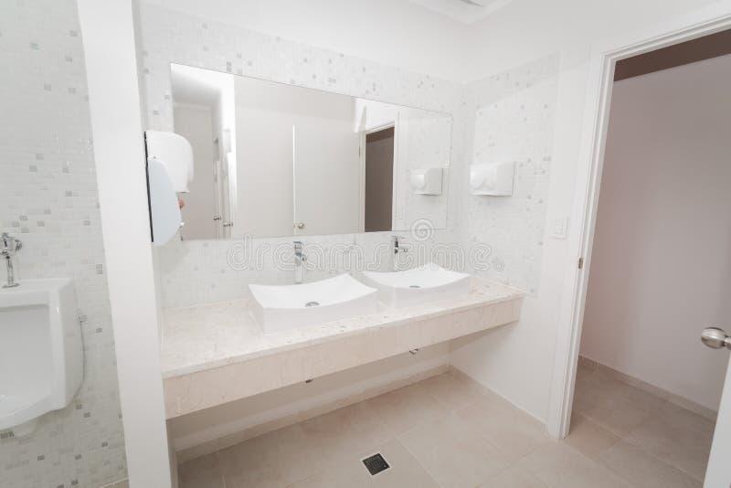 Muur spiegel elegant montana montana gt wall spiegel en for Grote muur spiegel