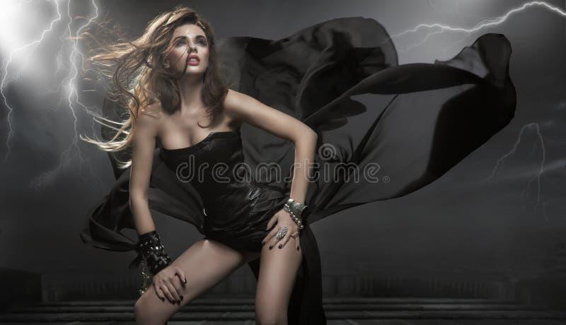 Schitterende vrouw royalty-vrije stock afbeelding
