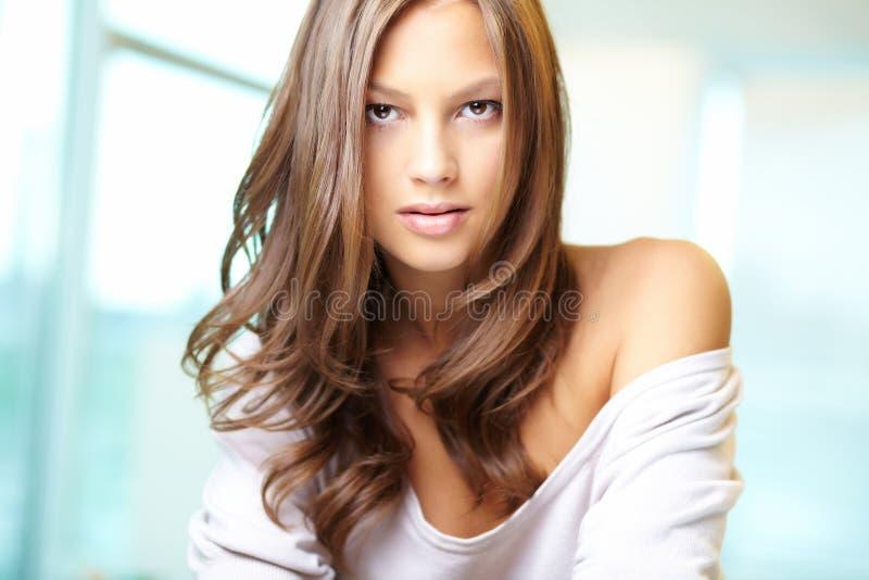 Download Schitterende vrouw stock afbeelding. Afbeelding bestaande uit manier - 29514581