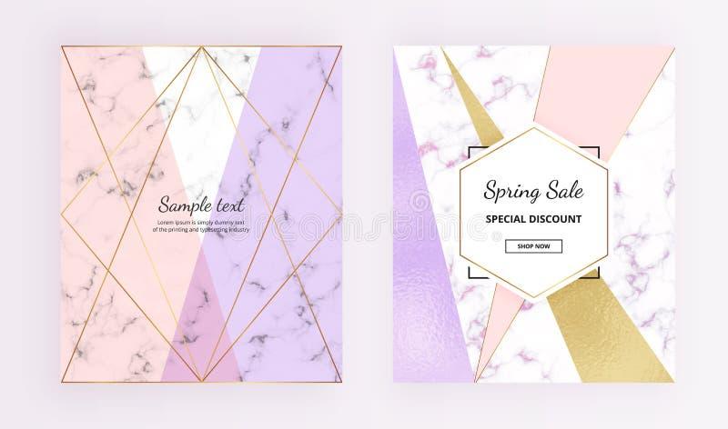 Schittert het dekkings geometrische ontwerp met marmer en folietextuur, goud lijnen, roze, purpere kleurenachtergrond In malplaat stock illustratie