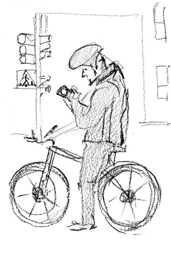 Schizzo della matita Un ciclista maschio si è fermato ad un semaforo Sta esaminando il suo telefono cellulare illustrazione di stock