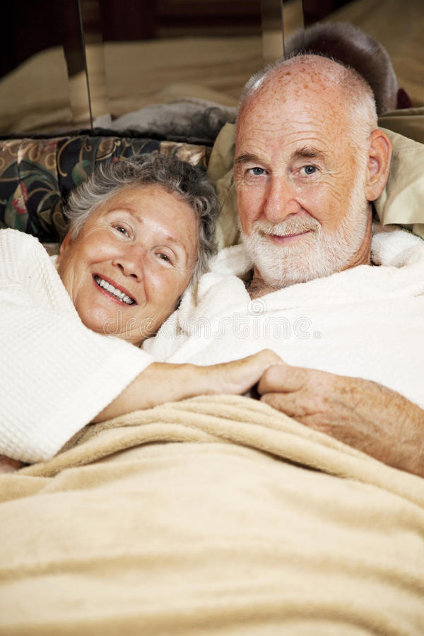 Schläfrige Ältere stockbilder