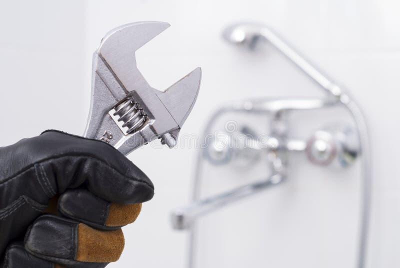 Schlüssel in der Hand stockfotografie
