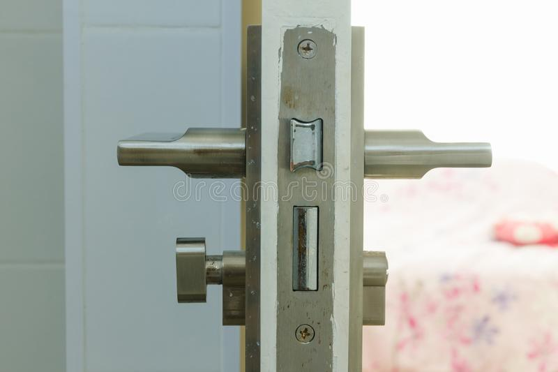 Schlüssel-machanism der Zimmertür stockbilder