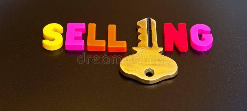 Schlüssel zum Verkauf lizenzfreie stockfotografie