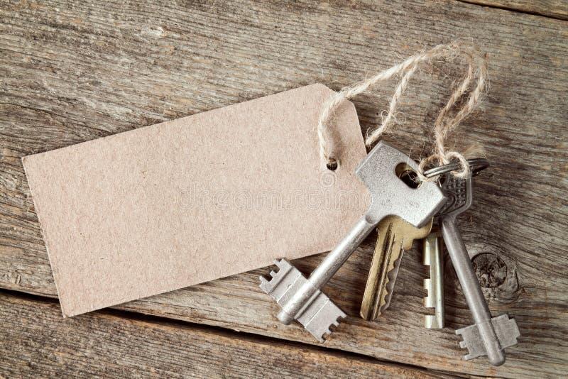 Schlüsselbund mit leerem Tag stockfoto