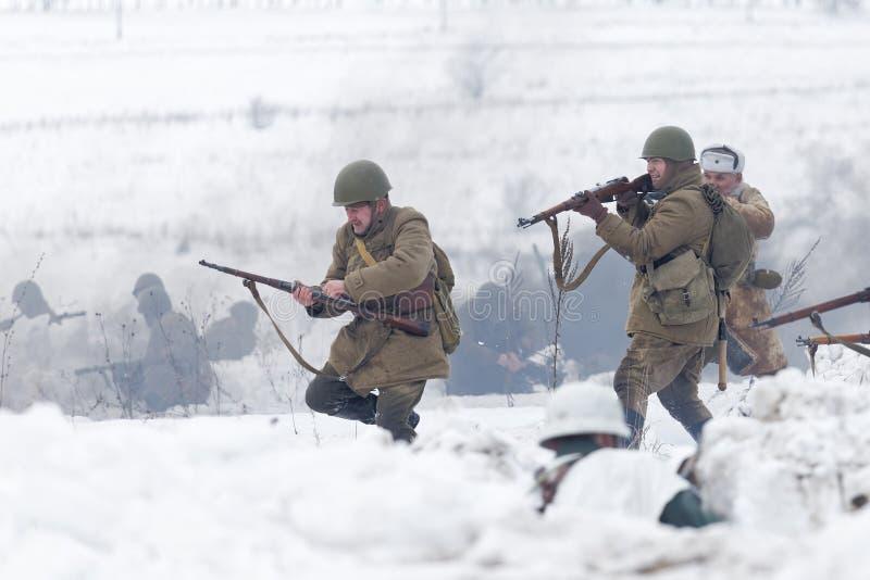 Schlachtfeld während des Militär-historischen Festivals stockfoto