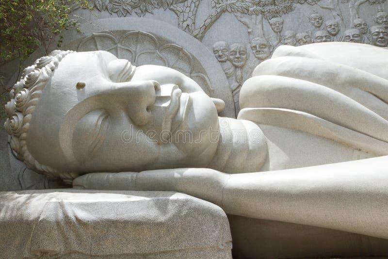 Schlafender Buddha, Markstein auf Nha Trang, Vietnam stockfotografie
