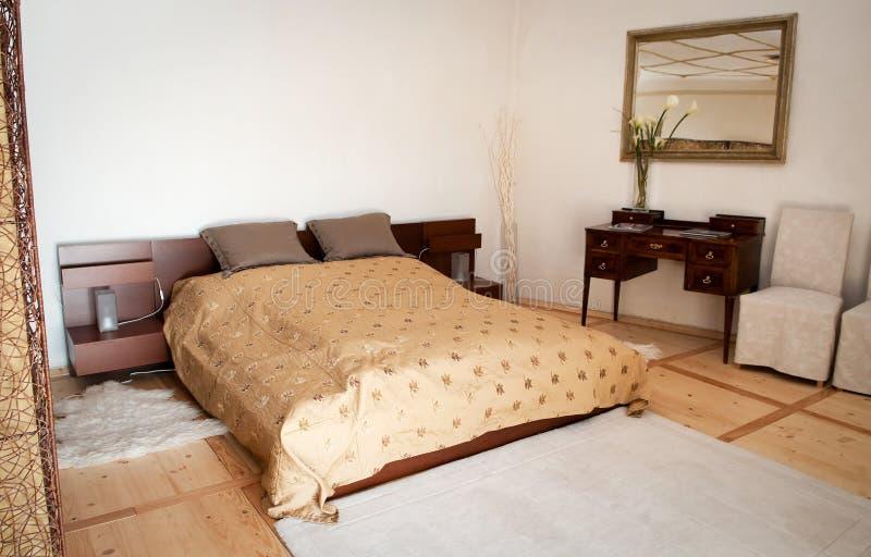 Schlafzimmer im Hotel lizenzfreies stockbild