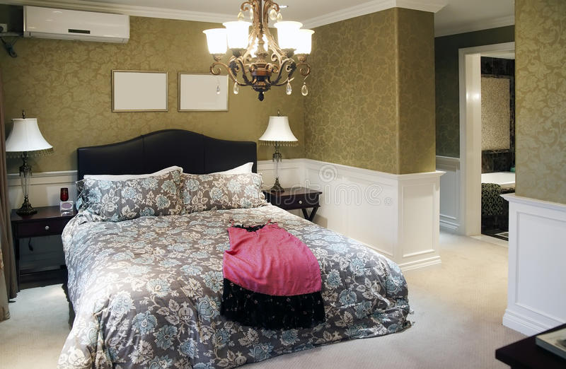 Schlafzimmerinnenraum der Frau stockfotos