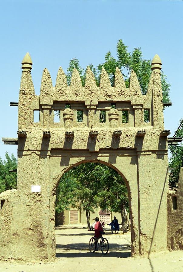 Schlamm-aufgebautes Gatter, Djenne, Mali stockbilder