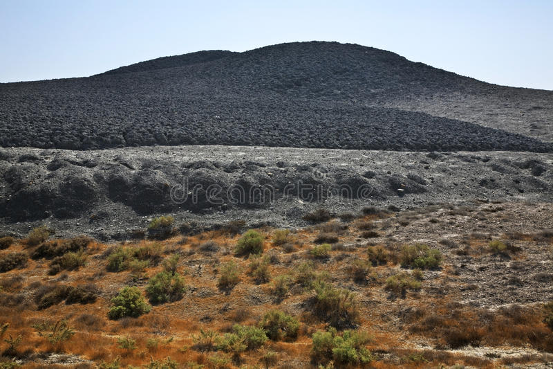 Schlammvulkan in Lokbatan nahe Baku azerbaijan stockbilder