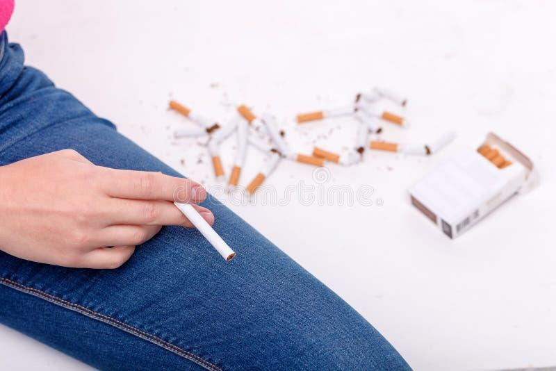 Schlechte Gewohnheit erwähnen schlechtere Abhängigkeit auf ihr lizenzfreies stockbild