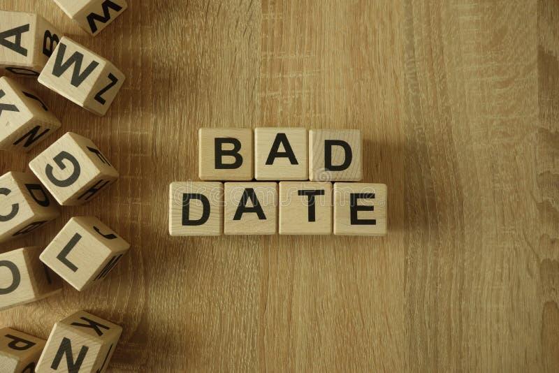 Schlechter Datumstext von den Holzklötzen lizenzfreies stockfoto